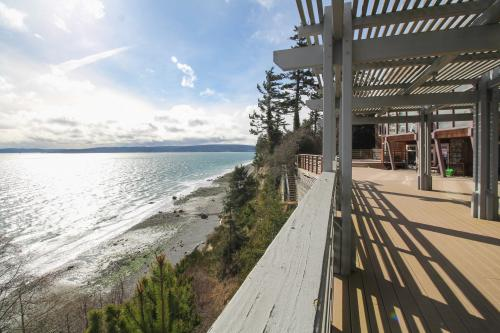Marrowstone Island Manor - Nordland, WA Vacation Rental