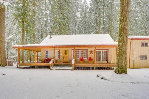 The Sharp Cabin - Rhododendron, OR Vacation Rental