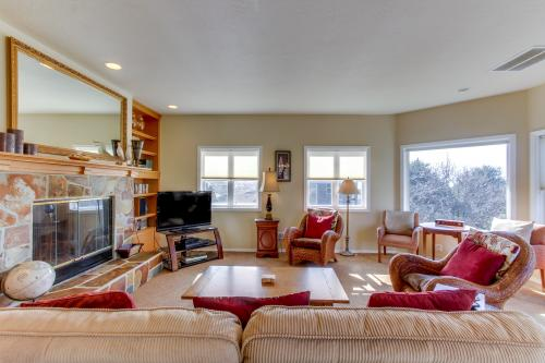 Cannon Beach Escape -  Vacation Rental - Photo 1