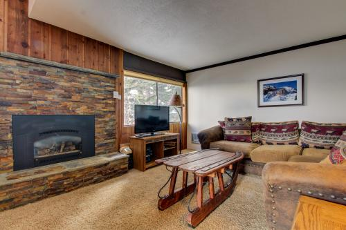 Mammoth Ski & Racquet 123 -  Vacation Rental - Photo 1