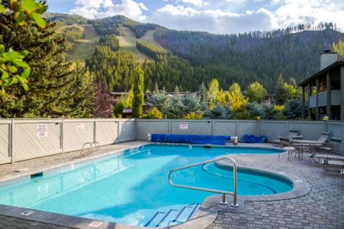 Greyhawk at the Ski Lifts -The Artisan -  Vacation Rental - Photo 1
