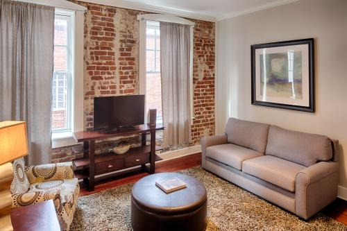 Bay St. Lofts Blues - Savannah, GA Vacation Rental