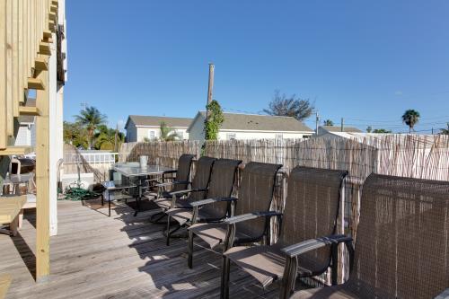 Sunny Conch Getaway -  Vacation Rental - Photo 1