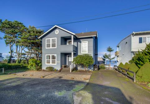 Oceanview Escape - Depoe Bay, OR Vacation Rental