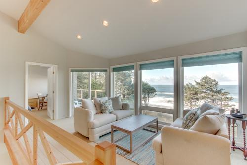 Seascape Beach Retreat - Arch Cape, OR Vacation Rental