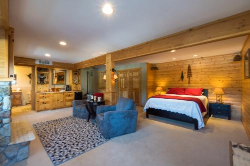 Suite A The Lodge -  Vacation Rental - Photo 1