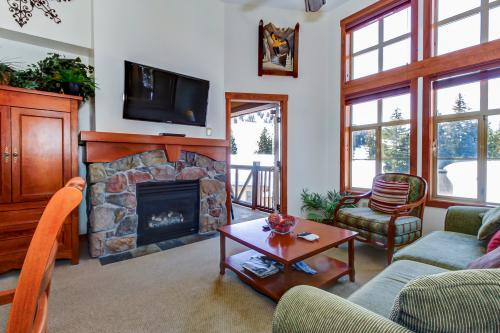 Eagle Springs West 409: Mountain Top Suite -  Vacation Rental - Photo 1
