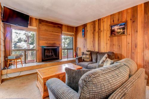 Aspens Blue Sky Retreat -  Vacation Rental - Photo 1