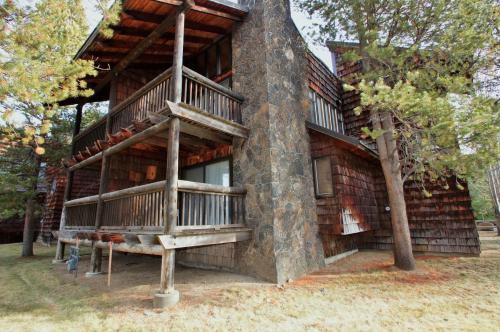 Wildflower #5 on Meadows Golf Course - Sunriver, OR Vacation Rental