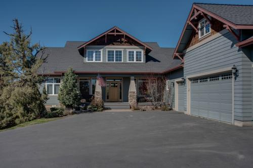 Bend Mountain View Retreat - Bend, OR Vacation Rental