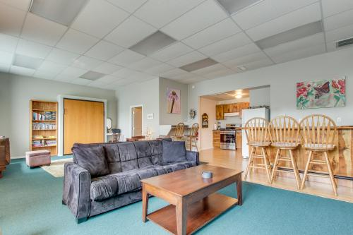 Captain's Quarters - Brookings, OR Vacation Rental