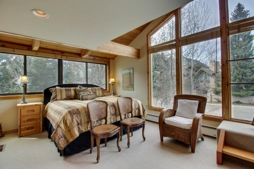 Ketchum Treehouse -  Vacation Rental - Photo 1