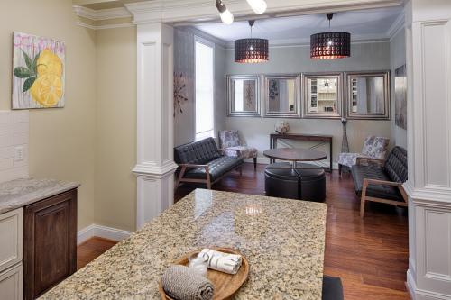 Savannah Lez Frederick: Premier  - Savannah, GA Vacation Rental