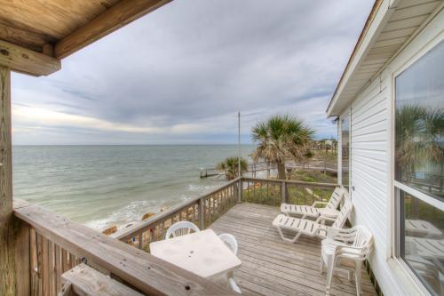 Cottage By The Sea - Freeport, TX Vacation Rental