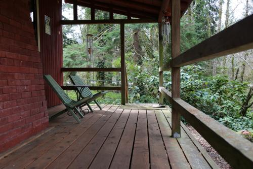 Oberon's Junction - Rhododendron, OR Vacation Rental