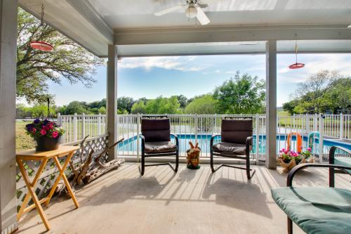 Shady Cove - Tow, TX Vacation Rental