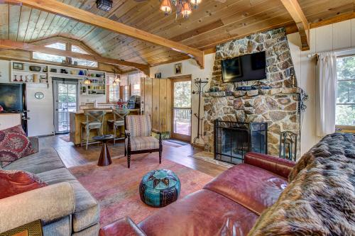 The Crow's Nest - Idyllwild, CA Vacation Rental