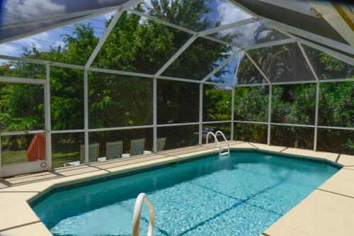 Tropical Corner  -  Vacation Rental - Photo 1