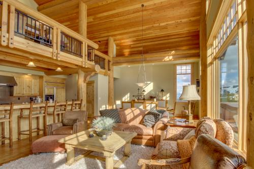 Moonlight Lodge Penthouse 1 -  Vacation Rental - Photo 1
