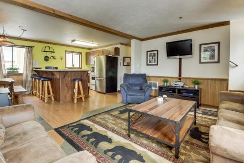 Little Trail Lodge - Unit B -  Vacation Rental - Photo 1