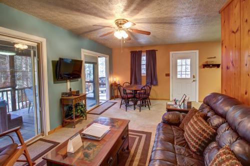 Artisan Hideaway - Helen, GA Vacation Rental