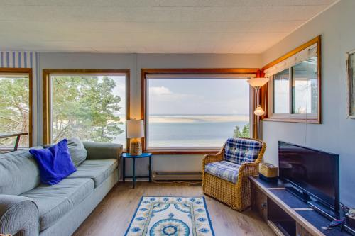 Pearl Ocean Front Beach House -  Vacation Rental - Photo 1