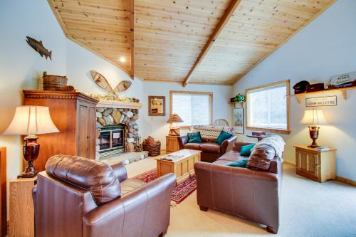 Tahoe Vista Chalet -  Vacation Rental - Photo 1
