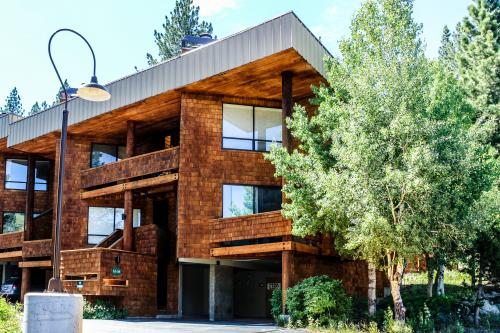 Christy Lane Condo-Great Squaw Location! - Squaw Valley Vacation Rental