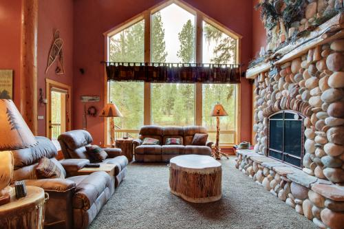 Cryer's Cabin - New Meadows, ID Vacation Rental