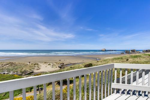 Spindrift Oceanfront Home - The Helm - Bandon, OR Vacation Rental