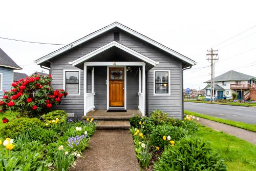 Crab Cottage in Nye Beach - Newport, OR Vacation Rental