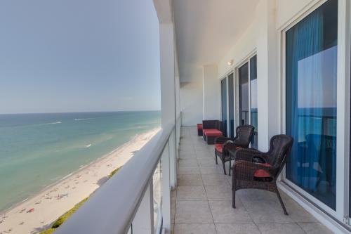 Castle Beach: Aloe Condo - Miami Beach, FL Vacation Rental