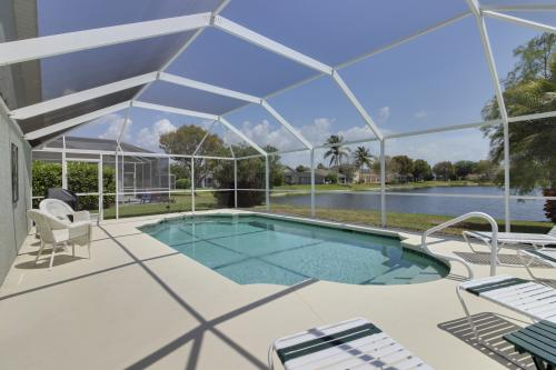 Heron's Nest Getaway - Fort Myers, FL Vacation Rental