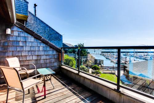 Embarcadero 401: Captain's Quarters - Newport Vacation Rental