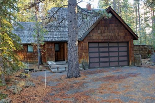 Conifer Lane -  Lovely Woodland Setting - Sunriver Vacation Rental