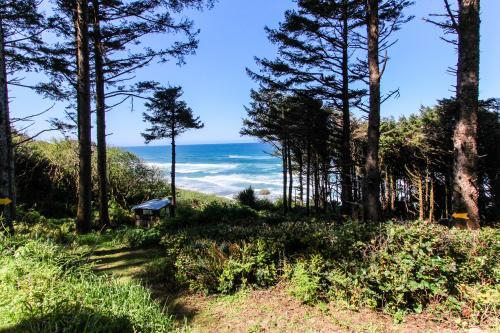 Shelley Family Cabin - Yachats, OR Vacation Rental