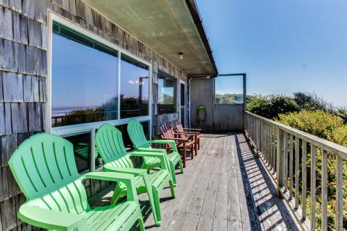 Cape Cod Cottages - Unit 10 - Waldport, OR Vacation Rental