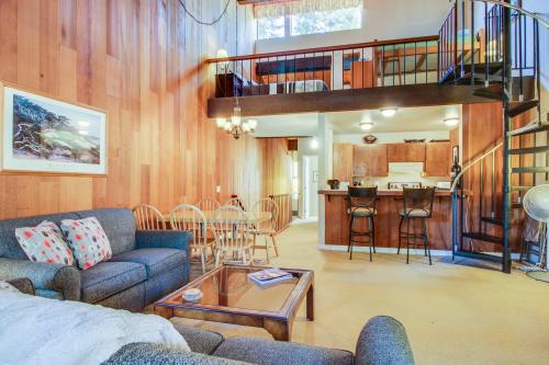 Kingswood Family Condo -  Vacation Rental - Photo 1