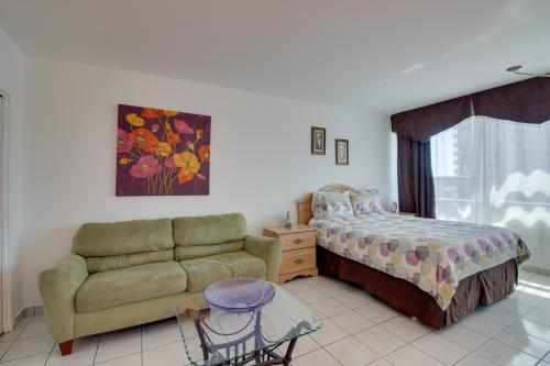 Castle Beach: Prickly Pear Condo - Miami Beach, FL Vacation Rental