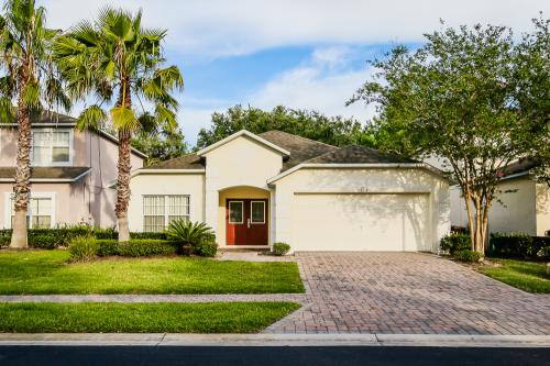 Cumbrian Lakes Villa - Kissimmee, FL Vacation Rental