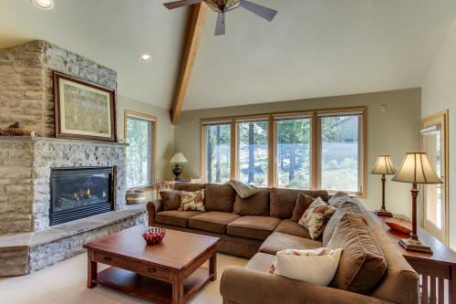 31 Maury Mountain Ln - Sunriver, OR Vacation Rental