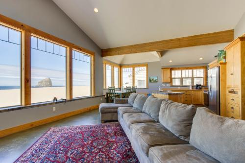 Pacific City Ocean Front Escape - Pacific City, OR Vacation Rental