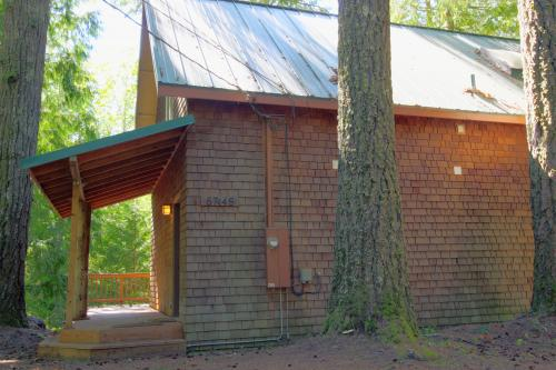 Roaring River Retreat - Rhododendron, OR Vacation Rental