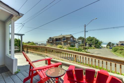 Hemlock Modern Beach House -  Vacation Rental - Photo 1