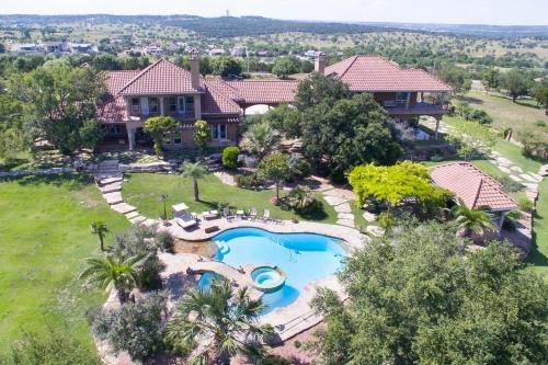 High Place - Kerrville, TX Vacation Rental