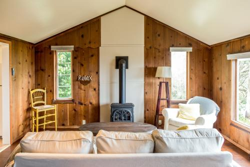 Cottage Retreat - Little River, CA Vacation Rental