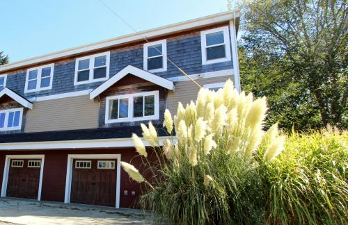 Necanicum Retreat - Seaside Vacation Rental