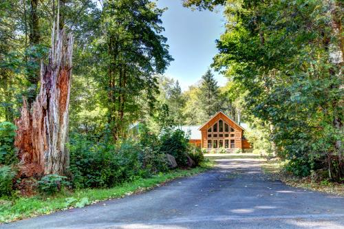 Wy' East Log Lodge - Rhododendron Vacation Rental