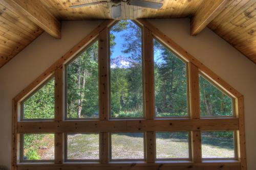 Wy' East Log Lodge -  Vacation Rental - Photo 1