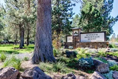 Seventh Mountain Resort Penthouse - Bend Vacation Rental